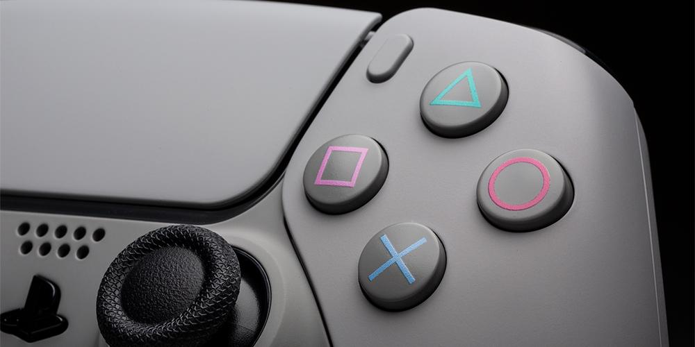 DualSense PS5 Controller Retro
